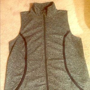 Under armor gray vest size Large